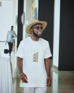 M.anifest from Ghana is an African Rapper