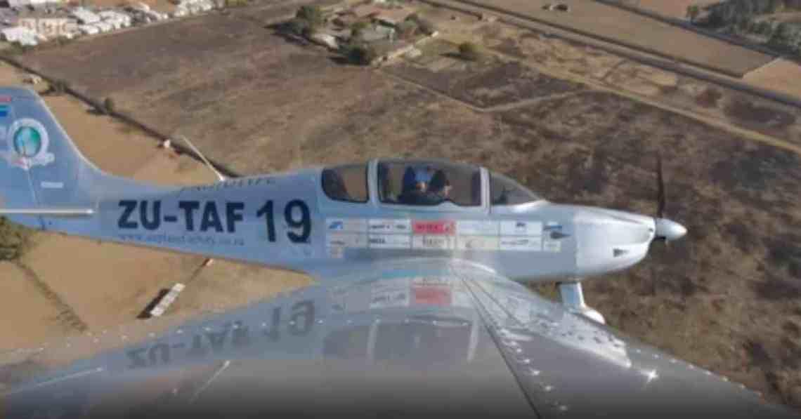 -POSITIVR- le sling 4 en plein vol filmé par l'avion de soutien