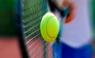 la Tunisie abrite depuis mardi le championnat arabe de tennis destine aux jeunes -13 et -14 ans avec la participation de dix pays à
