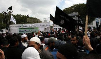 Le chef du mouvement Ennahdha a taxé le courant djihadiste salafiste d'imbécile