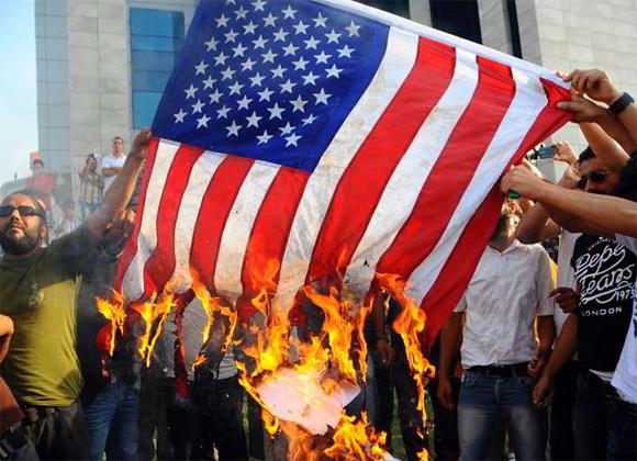 3 morts et 28 blessés dans les affrontements aux alentours de l'ambassade américaine à Tunis. Deux blessés dans un état critique (bilan provisoire du ministère de la Santé)