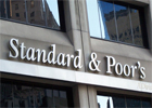 L'agence d'évaluation financière Standard & Poor's a abaissé vendredi de deux crans la note de la Tunisie
