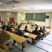 Le ministère de l'enseignement supérieur a annoncé qu'il n'est pas prévu cette année(2013/2014) la création de nouvelles institutions universitaires