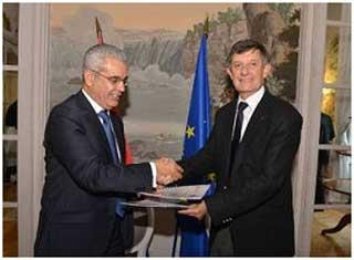 Un accord de coopération triennal a été signé aujourd'hui à Paris entre la Caisse des Dépôts et Consignations tunisienne (CDC) et le groupe Caisse des Dépôts français en vue de favoriser la mise en œuvre de projets concrets au service de la croissance