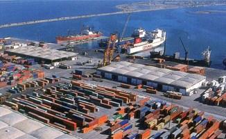 La grande quantité de chlore saisie récemment au port de Rades était trouvée dans des futs en métal et dans des conteneurs présents dans ce port depuis 2009