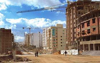Le ministère de l'Equipement et de l'Habitat vient d'élaborer un nouveau rapport « Pour une nouvelle stratégie de l'habitat. Diagnostics et recommandations ». Ce rapport s'est fixé sur le diagnostic et les recommandations du secteur en général en Tunisie. De nombreux thèmes sur le secteur y ont été abordés