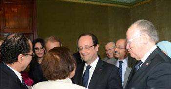Le président français François Hollande a demandé