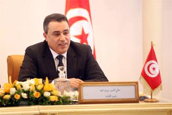 Rarement un gouvernement a hérité d'un legs aussi lourd que celui que le cabinet de Mehdi Jomaâ s'échine à gérer. Et l'actuel chef du gouvernement a affirmé d'emblée qu'il ne dispose pas d'une baguette magique pour redresser le pays et le ramener sur les sentiers de la croissance