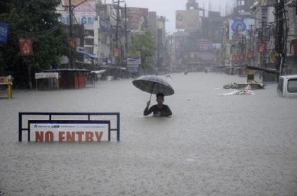 47 morts dans des glissements de terrain — Népal