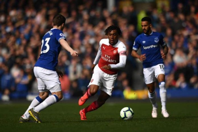 Nigeria's Alex Iwobi joins Everton from Arsenal