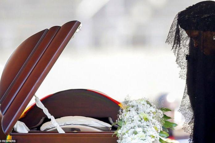 Group blasts Zim govt over splurge on Mugabe burial shrine