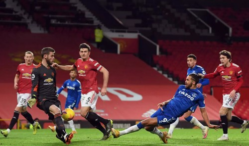 Manchester United undone by Everton's last minute equaliser