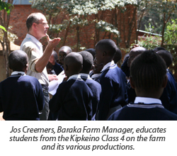 Jos-educates-children-about-farm