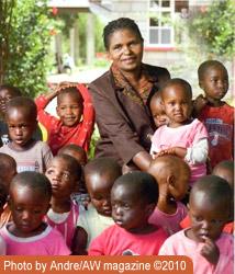 Phyllis-Keino-w-children