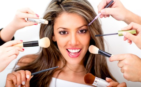 Check Out The Reason Why Women Love Making Up
