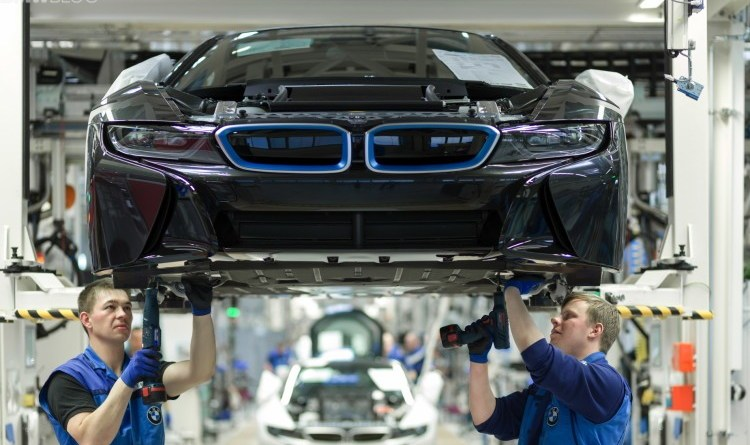 BMW denies manipulating emission system