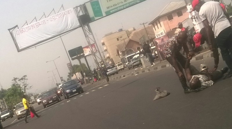 Man attempts suicide at waterlines Junction in Port Harcourt