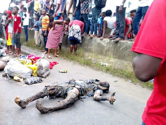 Sad! Six roasted alive in fatal road accident along East West Road ( photos)