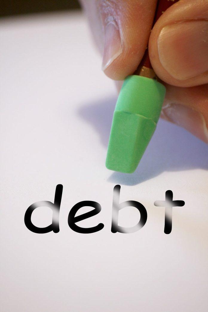 Feenix, Student debt in south africa