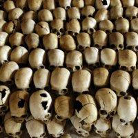 "Rwanda: Procès Simbikangwa : ""J'ai fait la morte au milieu des cadavres"""