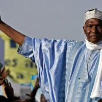 Abdoulaye Wade attendu au Sénégal  dans une atmosphère fébrile
