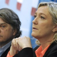 Ebola : le FN veut la suspension des vols d'Air France vers les pays à risque