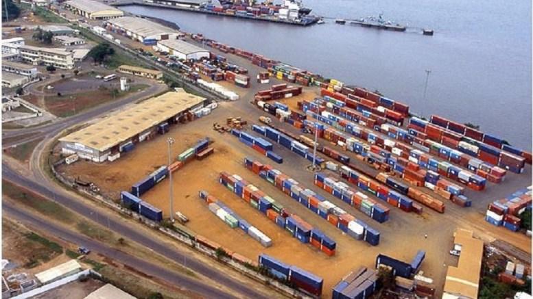 Gabon: comment les douanes ont laissé passer 22.000 tonnes de ciment?
