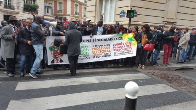 Consulat Du Senegal En France L Opposition Manifeste
