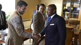 Jean-Fidèle Otandault et la délégation du FMI