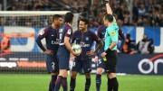 Neymar reçoit un carton rouge