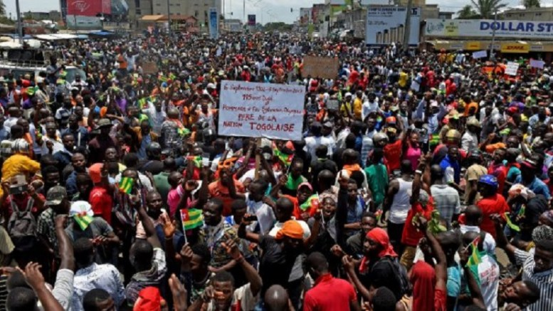 Des Manifestants dans la rue au Togo