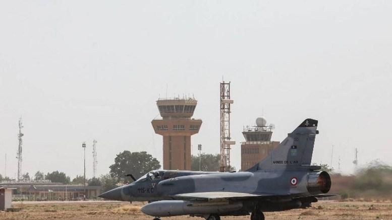 Une patrouille de Mirage 2000-D survole Kaga Bandoro