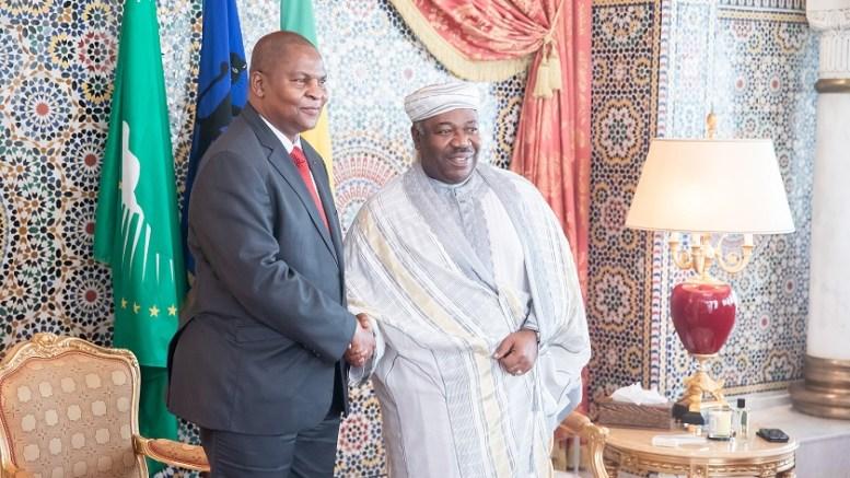 Poignée de main entre S.E Ali Bongo Ondimba et son homologue Faustin Archange Touadéra
