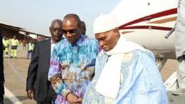 Abdoulaye Wade reçu par Alpha Condé en Guinée
