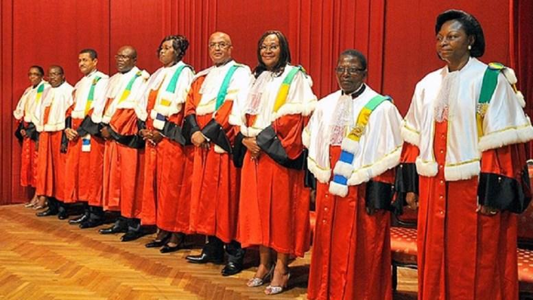 Membres de la cour constitutionnelle.