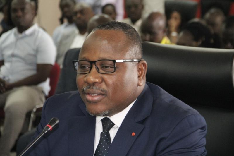 Cote d'Ivoire : Alassane Ouattara demande la réduction des bureaux de vote, la CEI réagit