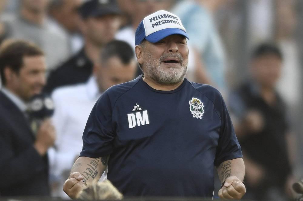 Covid-19 : Le président de la FIFA et Diego Maradona placés en isolement ?