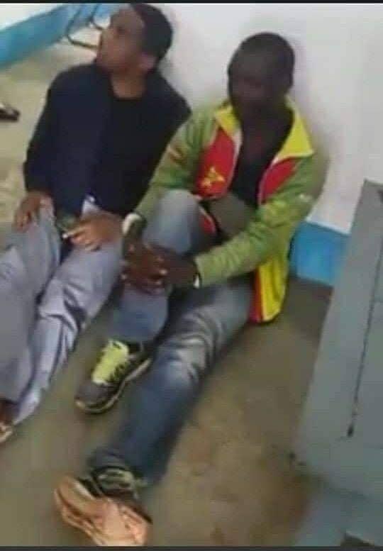 Samuel Eto'o « assit par terre » aux côtés du chauffeur responsable de son tragique accident (Photos)
