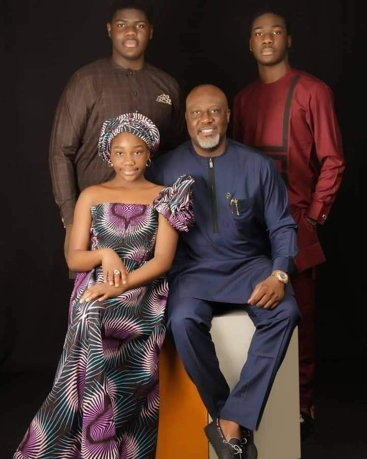Nigeria : Un sénateur achète une Lamborghini à sa fille de 11 ans