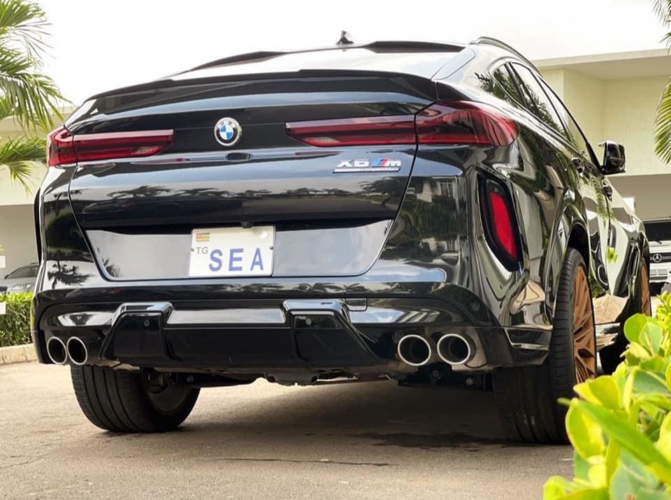 Adébayor voiture BMW