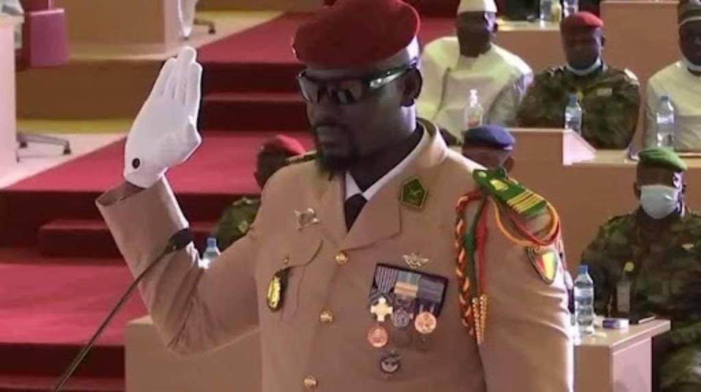 Mamady Doumbouya investi président