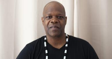 Nécrologie: organisation des obsèques de Amobé Mévégué à Paris