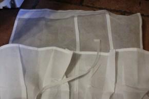 Cut the strip where it's sewn
