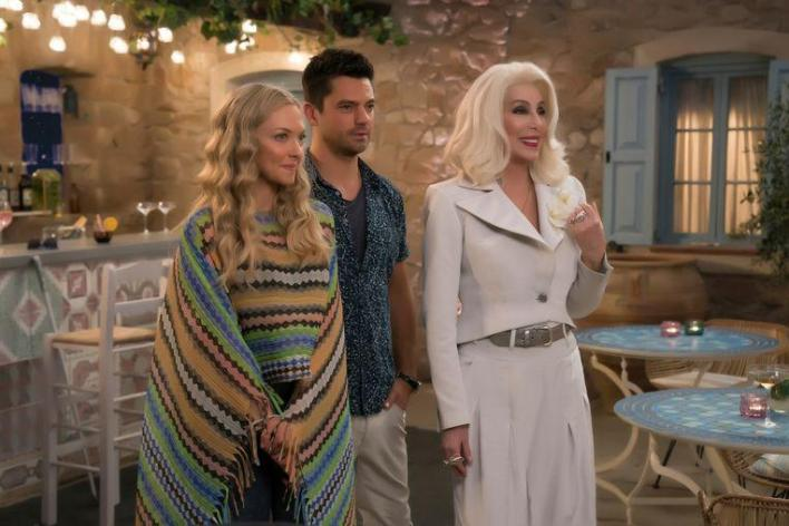 """Amanda Seyfried with her ex, Dominic Cooper and Cher in 'Mamma Mia! Here We Go Again. """""""
