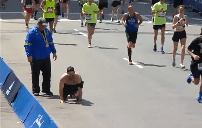 War veteran finishes a marathon on hands and knees