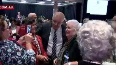 Activist hurls egg to the head of Australian Prime Minister