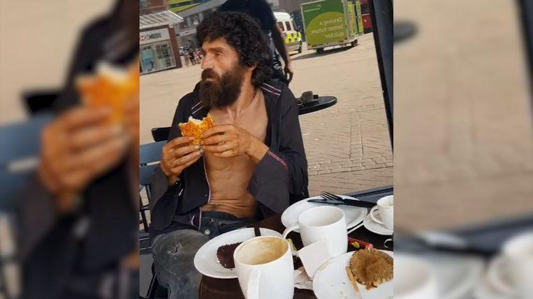 """Starbucks wants to chase homeless man that gets lunch paid by good Samaritan: """"Isn't he human?"""""""