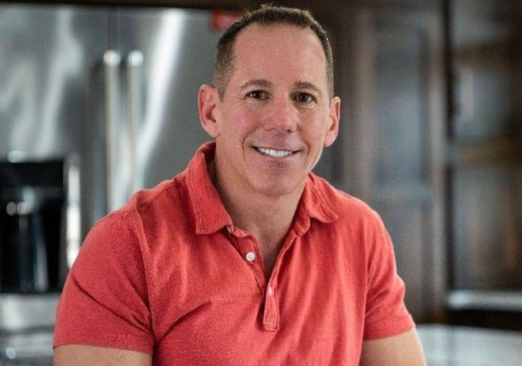 """Jeff (47) tired of swiping: """"Whoever finds a girlfriend for me gets $25,000"""""""