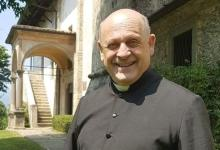 Italian priest donates ventilator to younger patient and dies