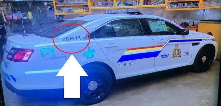 Gabriel Wortman's car looked like a replica of a real police car. Later he switched to a Chevrolet.